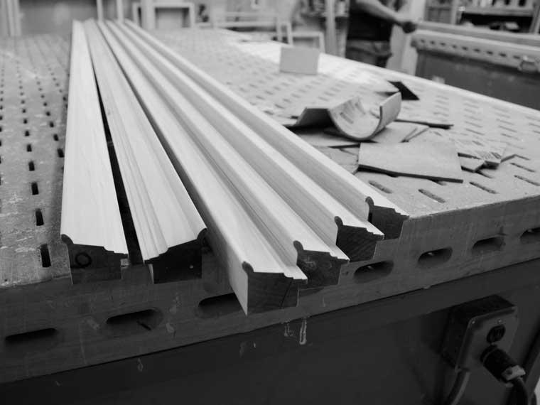 hardwood-custom-picture-frames