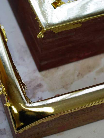 double-yellow-gold-custom-frame-gilding-process