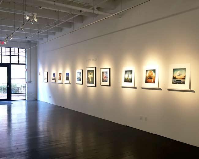 custom picture frames for art galleries