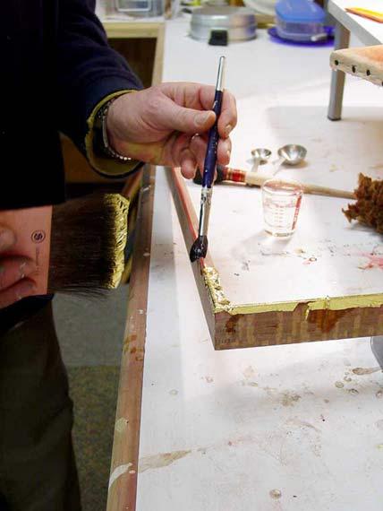 gold-leaf-frame-gilding-process