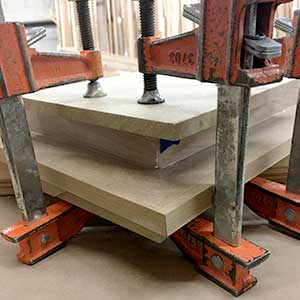 clamping-corners-with-maple-veneer-hardwood-frame